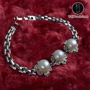 Designer Pearl Bracelets from TajPearl.com. (Shipping free in India)